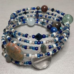 Bracelet in blues